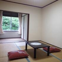 *【部屋】和室6畳/畳の上で足を伸ばしてのんびりお過ごしいただけます。