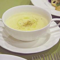 *夕食一例/ヴィシソワーズ(じゃがいものスープ)