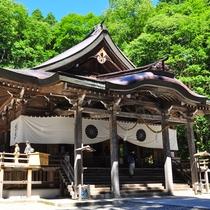 **【戸隠神社中社】「天の岩戸開きの神事」にまつわる神社。宿坊体験や名物の蕎麦も楽しめます。