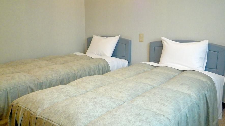 *ツインルーム/ベッドでぐっすりとご就寝頂けます。