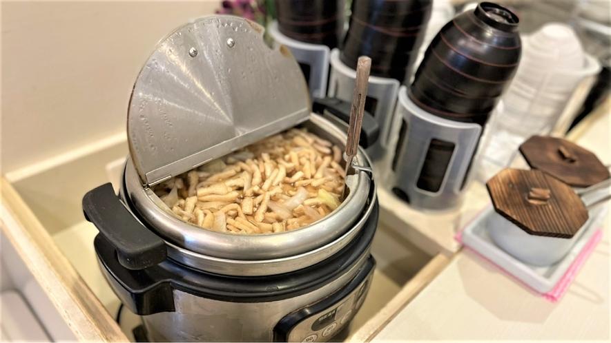◆朝食 季節の食材を使用したお味噌汁(イメージ)季節により変更がございます