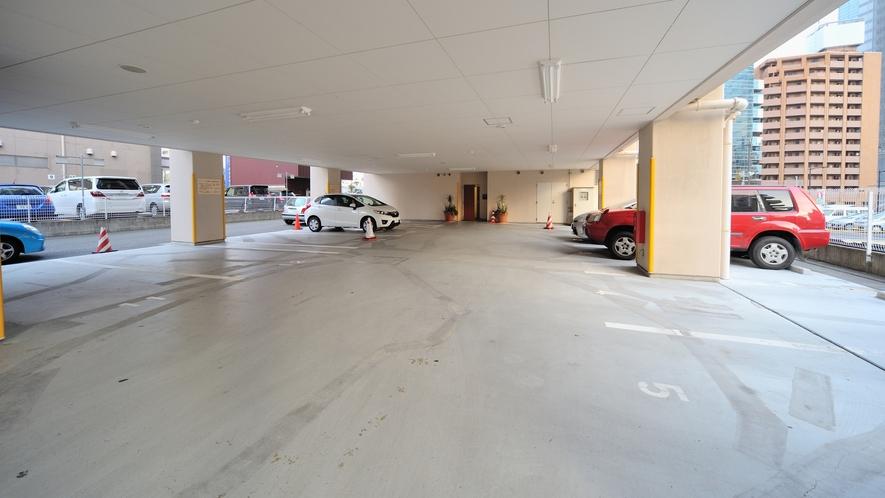 ◆駐車場 料金:1台1泊1,800円