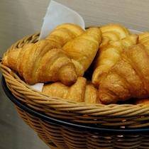 ■ご朝食・各種パン・ワッフルを取り揃えております。