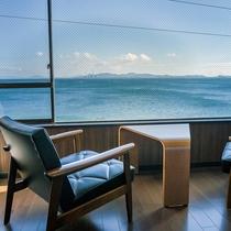 浜簪48平米・洋室 広縁からの眺め ~ゆったり海を眺める