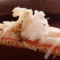 地元産!松葉カニ水揚げ量日本一の津居山港より直送の焼き松葉蟹