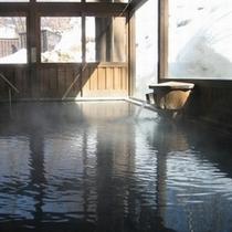 ■冬景色の内湯/冬の雪見風呂は最高ですね!
