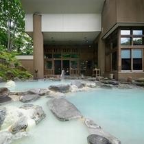 ■八右衛門の湯【露天風呂】爽やかな空気の中での露天風呂は最高です!