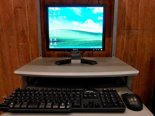 1階 ロビー パソコン