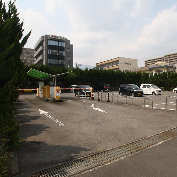 駐車場 宿泊者は無料でご利用になれます。