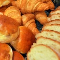 朝食時間が取れない!そんな方に…ご出発時に≪パンの詰め合わせ≫をプレゼント※画像はイメージ