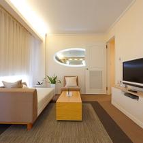 スイートルーム702:リビングルーム2