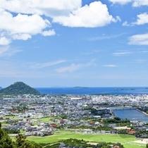 三方を海と山に囲まれた城下町「萩」