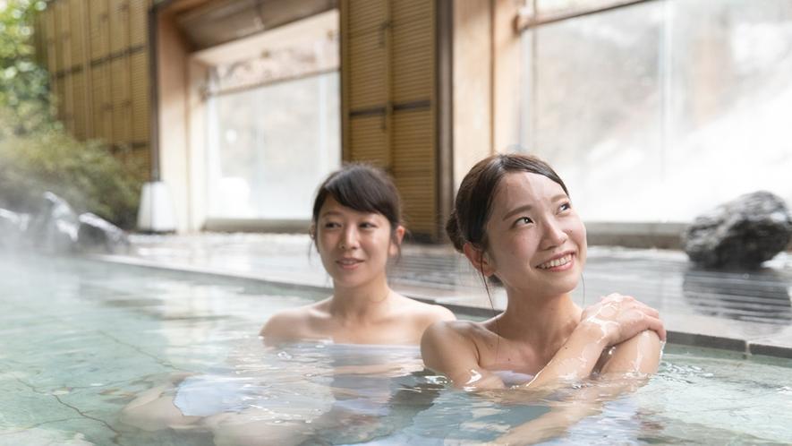 景色と温泉のぬくもりの両方をお楽しみください。【天狗の湯・露天】