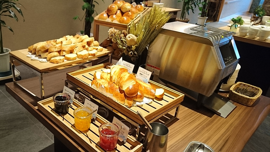 ジュラク特製パン♪ご夕食ブッフェ(バイキング)