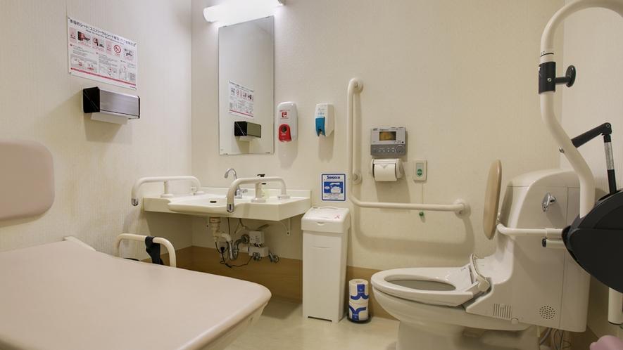 身障者の方でも安心♪車椅子のままでもご利用いただけます。2階・多目的トイレ