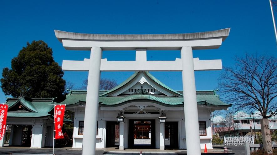 [諏訪神社]市内最古の神社といわれている。ホテルより徒歩約6分。
