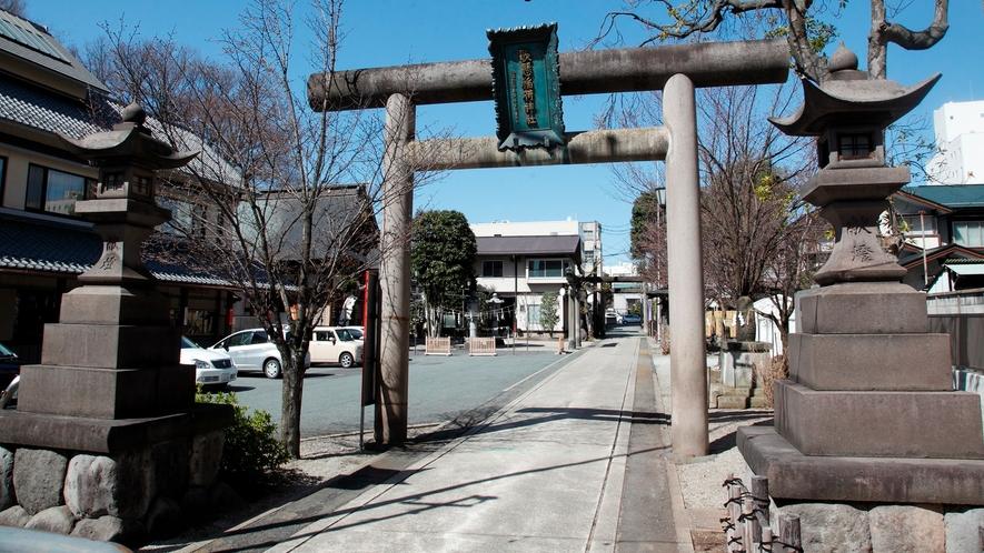 [歌懸稲荷神社]ホテルより徒歩3分