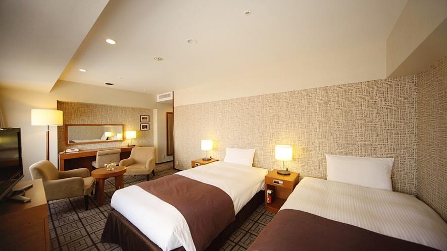 【プレミアツイン(33平米)】かけ流し可能なバスルームでご家族やグループでの滞在にも快適なお部屋です