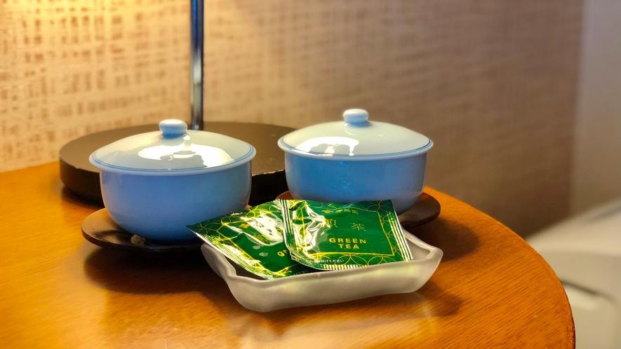 お部屋にお茶もご用意しております