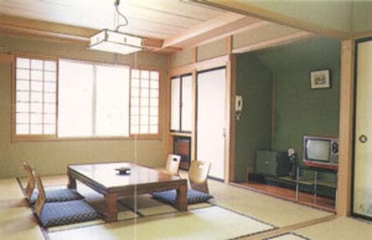 和室8畳(洗面台・トイレ共同)◆朝食付き