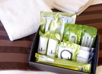 客室アメニティ(イメージ)歯磨きセット・カミソリ・シャワーキャップ・ブラシ・ボディスポンジ・綿棒など