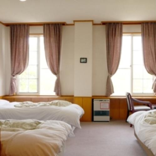 洋室トリプルのお部屋
