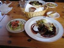 お魚とお肉のWメイン料理