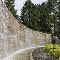 露天風呂の滝