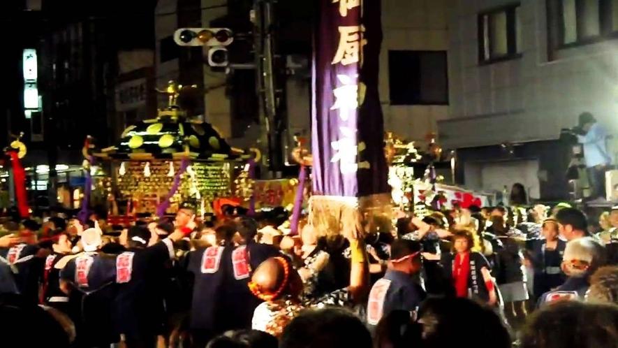 駅前が大賑わい「松阪祇園祭り」風景