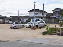 屋外無料駐車場