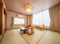 海側和室8畳(バス・トイレ付き)