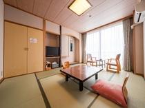海側和室10畳(バス・トイレ付き)