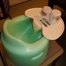 無料貸し出しテーブル付き赤ちゃん用バンボ!テーブルとりはずし可能(^^)3つ用意があります