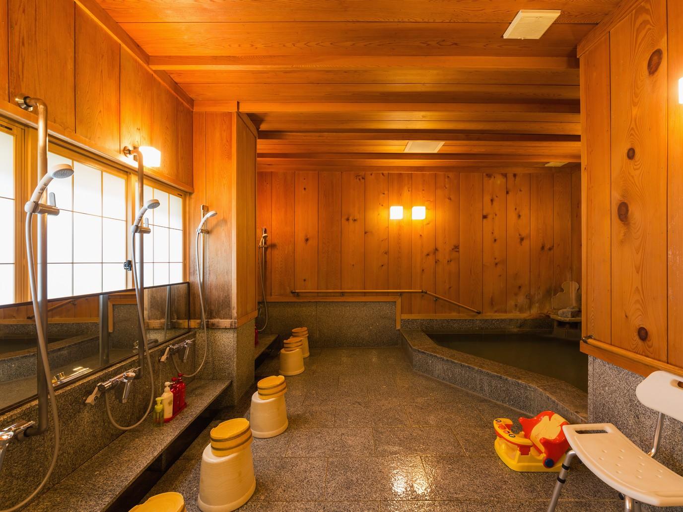 【大風呂】飛騨高山温泉です。旅の疲れを癒してくれます。