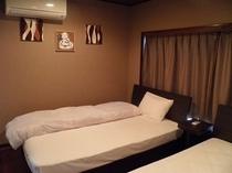 ツインベッドのスーペリア客室一例