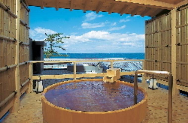 海の見渡せる露天風呂