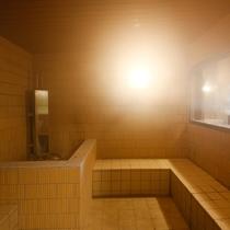 【右の湯】ラジウム蒸気風呂(※温泉を利用したミストサウナ)
