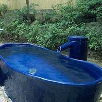 ★男性専用の露天陶器風呂