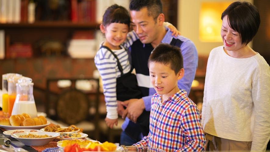 「どれを食べようか?」ビュッフェスタイルの朝食で和と洋さらには中華の味を愉しめます♪