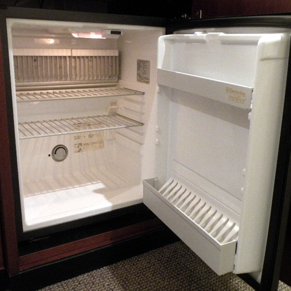 冷蔵庫は空です。