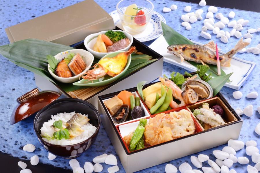 長良川鵜飼 ホテルパークオリジナル 船上料理