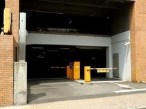 【駐車場】駐車券が発券されますのでフロントへお持ちくださいませ。