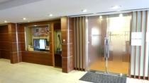 【メディカルフロア】館内2階に、薬局や内科、歯科などのメディカルフロアーがございます。