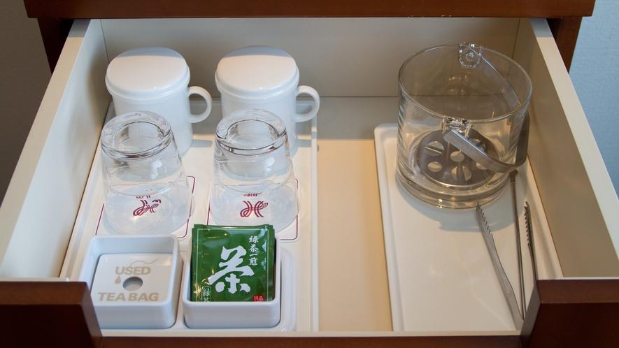 【グラス・マグカップ・緑茶・アイスペール】製氷機は南館6階、北館5階にございます。