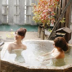 【貸切露天風呂:岩の湯】