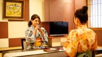 風雅な和モダンデラックス客室<市松>12.5畳のゆとりある広さで、ご家族やグループ旅行におすすめ。