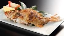 【のどぐろの塩焼き(イメージ)】  のどぐろは一年を通して美味しいとされ「白身のトロ」とも呼ばれる高