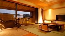 露天風呂付スイート和洋室 角部屋に近く、静かな時間をお過ごしいただけます。