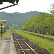 <嘉例川駅>ローカル線が次々と廃止されるなかで、どうにか生き延びてきた路線です。
