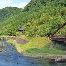 当館目の前に流れる川
